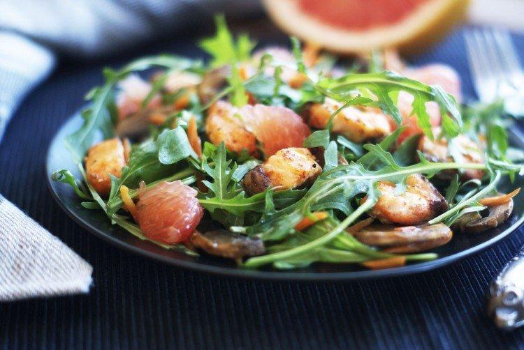 Салат с красной рыбой и грейпфрутом - рецепты