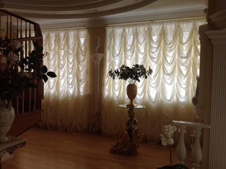 Французские шторы - Виды штор для гостиной