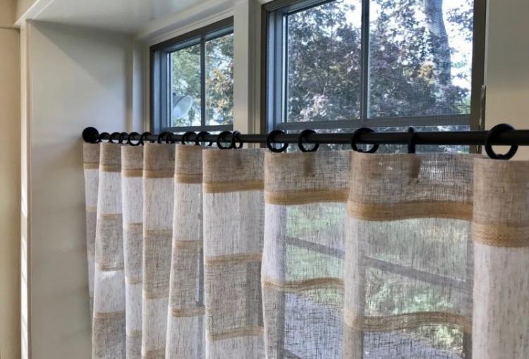Шторы-кафе - Виды штор для гостиной