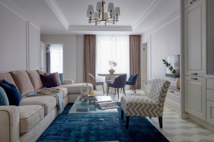 Синий цвет в интерьере гостиной - фото