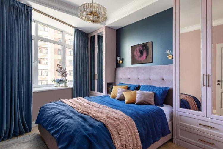 Синий цвет в интерьере спальни - фото