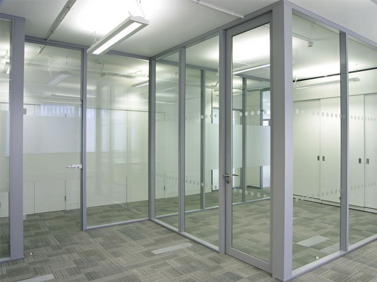 Каркас - Виды стеклянных перегородок в квартире