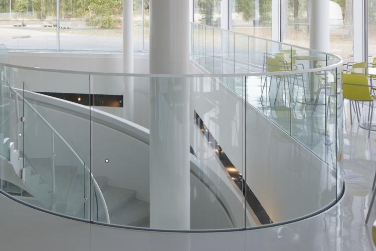 Прозрачное стекло - Стеклянные перегородки в квартире