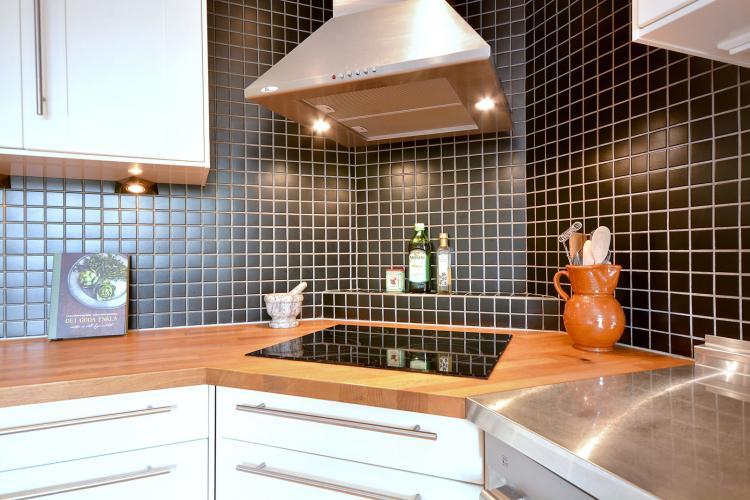 Угловые кухни - фото реальных интерьеров