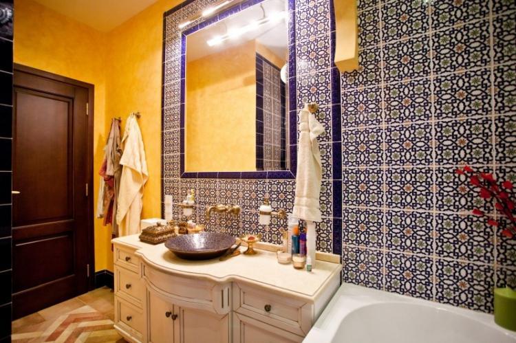 Ванная комната в хрущевке в восточном стиле - Дизайн интерьера