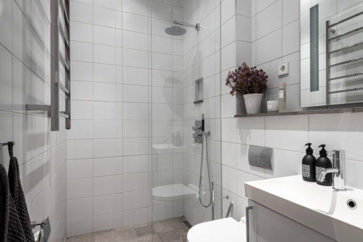 Белая ванная комната в скандинавском стиле - Дизайн интерьера