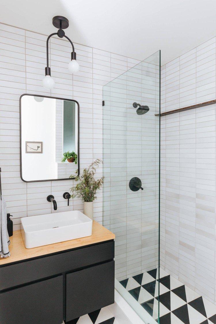 Ванна или душевая кабина - Дизайн маленькой ванной комнаты в скандинавском стиле