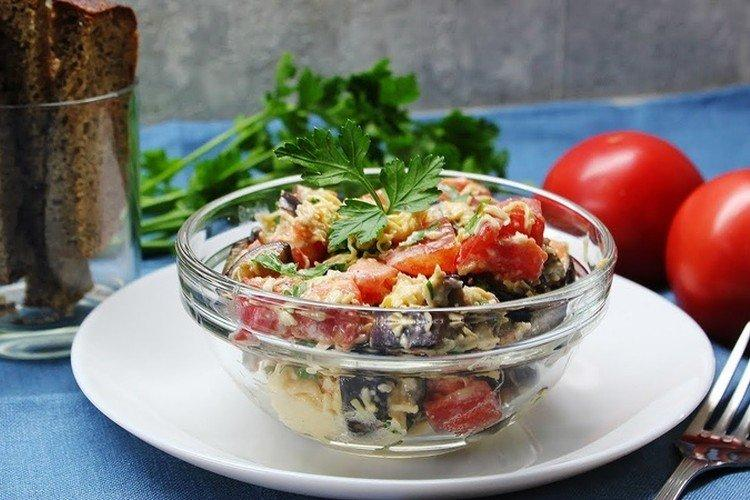 Салат с баклажанами и помидорами - Вкусные и дешевые рецепты блюд