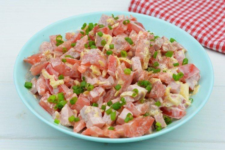 Салат с колбасой - Вкусные и дешевые рецепты блюд