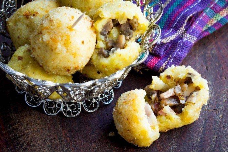 Картофельные шарики с грибами - Вкусные и дешевые рецепты блюд