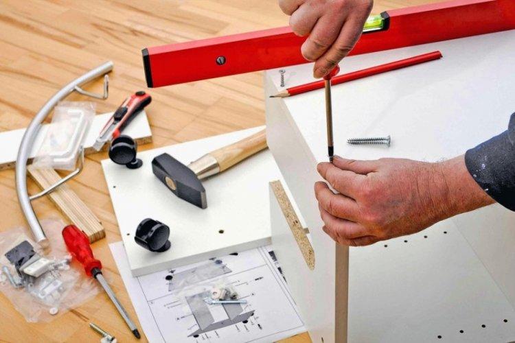 Сборка встроенного шкафа-купе своими руками