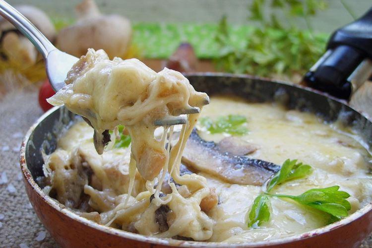 Жульен с курицей и грибами: 8 вкусных рецептов (пошагово)