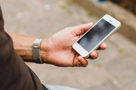 Что делать, если не включается телефон