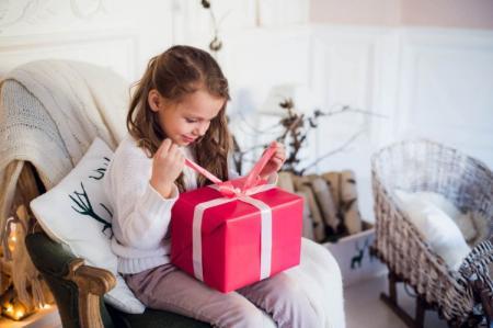 Что подарить девочке на 5 лет: лучшие идеи подарков