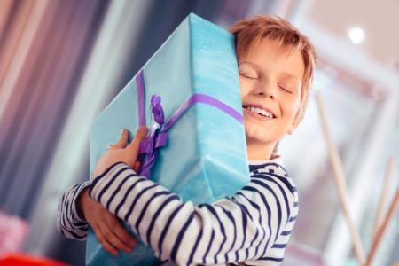 Что подарить мальчику на 5 лет: идеи лучших подарков