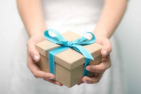 Что подарить парню на День рождения: 50+ лучших идей подарков