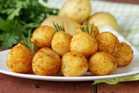 Что приготовить из картошки: 20 быстрых и вкусных рецептов