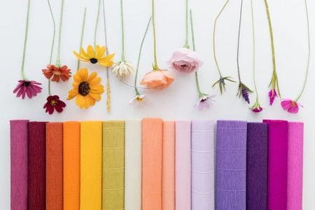 Цветы из гофрированной бумаги своими руками: 9 идей