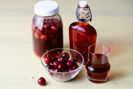 Как сделать домашнее вино из вишни: 4 простых рецепта