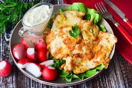 15 рецептов самых вкусных отбивных из куриного филе на сковороде и в духовке