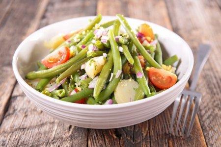15 аппетитных салатов из стручковой фасоли