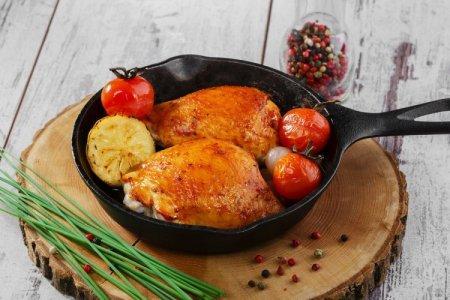 20 рецептов, как вкусно приготовить курицу на сковороде