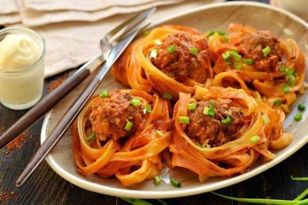 Гнезда с фаршем в духовке: 10 сытных и вкусных рецептов