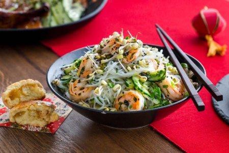 12 простых рецептов, как приготовить фунчозу с креветками