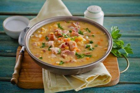 10 гороховых супов с копченостями, которые порадуют всю семью