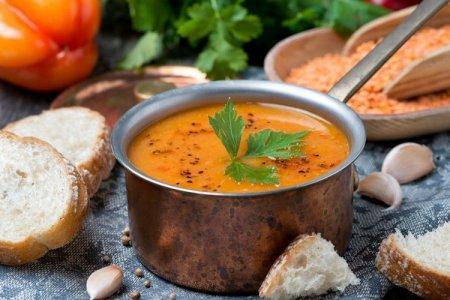 15 супов из красной чечевицы, которые сделают обед незабываемым