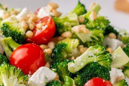 15 действительно вкусных салатов с брокколи