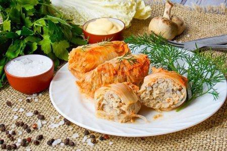 12 рецептов нежных и сочных голубцов из пекинской капусты