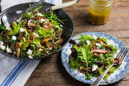 20 интересных салатов с жареными шампиньонами