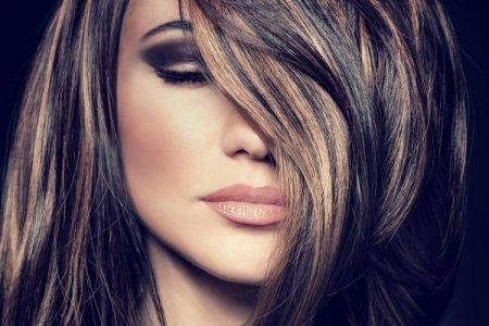 Мелирование на темные волосы 2021: техники, цвета и модные идеи (50 фото)