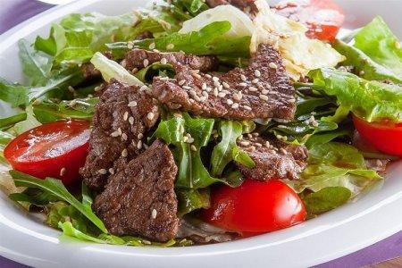 20 салатов с говядиной, которые понравятся всей семье