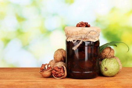 15 рецептов оригинального варенья из грецких орехов