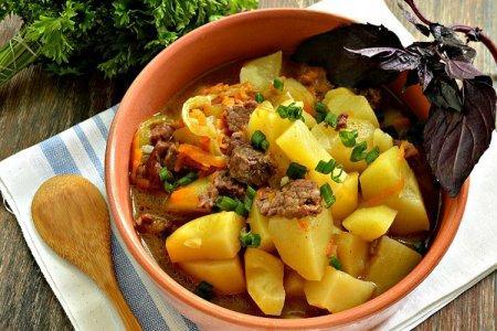 20 отличных рецептов тушеной картошки