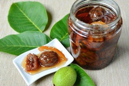 10 простых рецептов варенья из зеленых грецких орехов