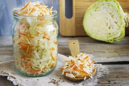 20 салатов из капусты на зиму, которые оценит любая хозяйка