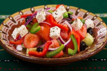 20 быстрых и вкусных салатов с болгарским перцем