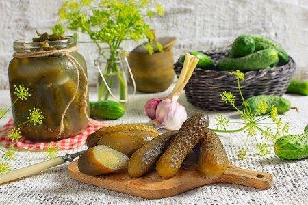 20 простых и вкусных рецептов маринованных огурцов