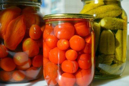 20 рецептов очень вкусных маринованных помидоров