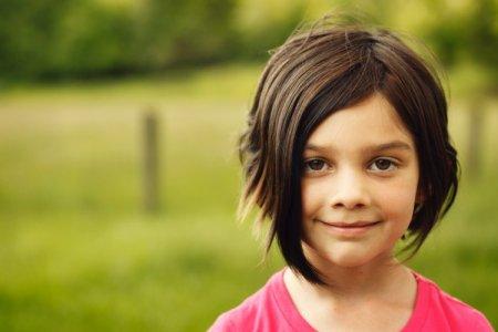 Стрижки для девочек в школу 2021: модные идеи и тенденции (50 фото)