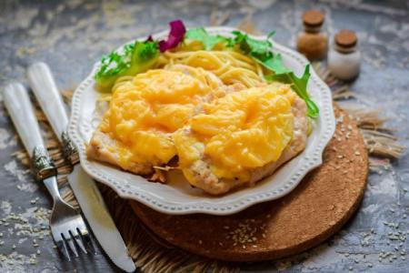 Горячие блюда на праздничный стол: 20 вкусных и недорогих рецептов