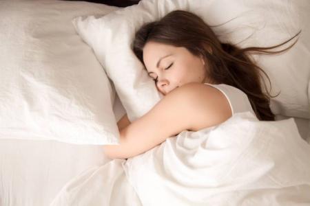 Как быстро уснуть за 1 минуту, если не спится?