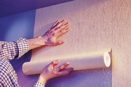 Как клеить флизелиновые обои: инструкция и советы