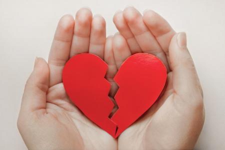 Как пережить расставание с любимым человеком: 12 советов психолога