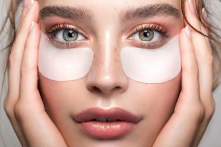 Как убрать мешки под глазами: 10 быстрых способов