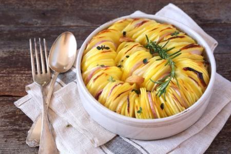 Картофель, запеченный в духовке: 20 простых и вкусных рецептов