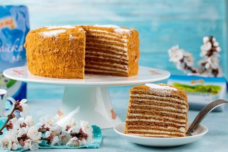 Классический торт «Медовик»: 5 простых и вкусных рецептов (пошагово)